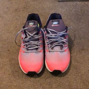 Nike Shoes - Nike zoom Pegasus 33